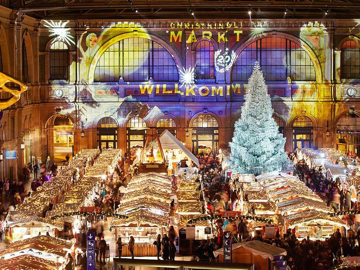 Le-plus-couvert-le-marche-de-Noel-de-Zurich