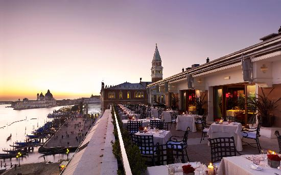 Saint valentin venise ville des amoureux likibu for Venise hotel piscine