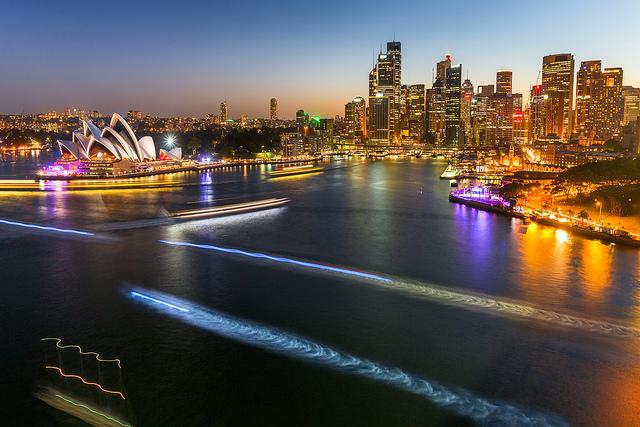 Img 4 _Loi¦êc LagardeSydney harbour _Sydney harbour night game