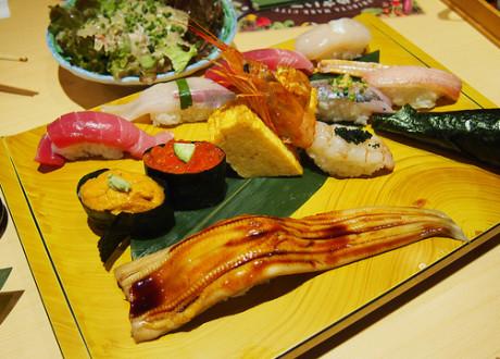 Img4 _Isriya Paireepairit_Midori Sushi
