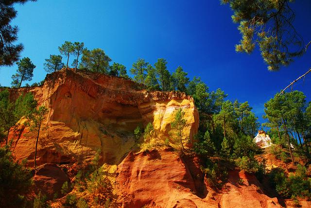 Img5_Vincent Brassinne_The Rainbow Ochre of Roussillon