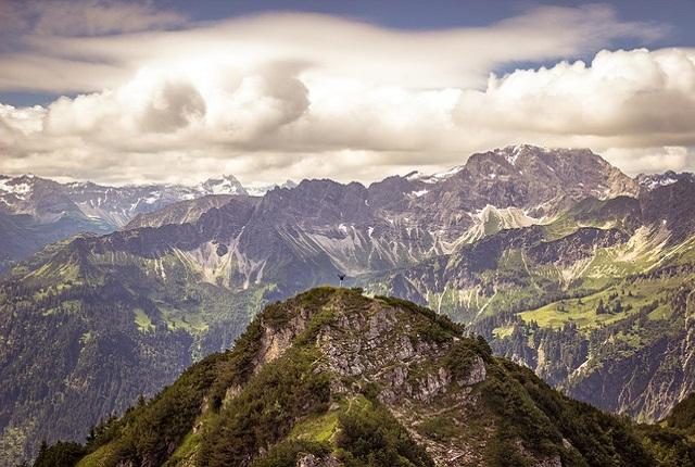 alpine-1972018_640