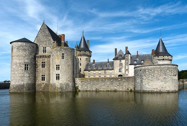 castle-1250497_640