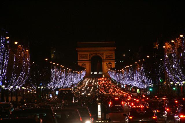 Champs-élysées-paris-shopping-luxe