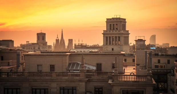 barcelona-2371948_1280