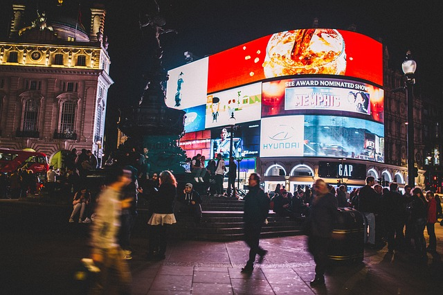 piccadilly-circus-926802_640
