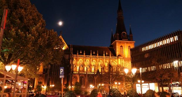 place-de-la-cathedrale-511766_1280
