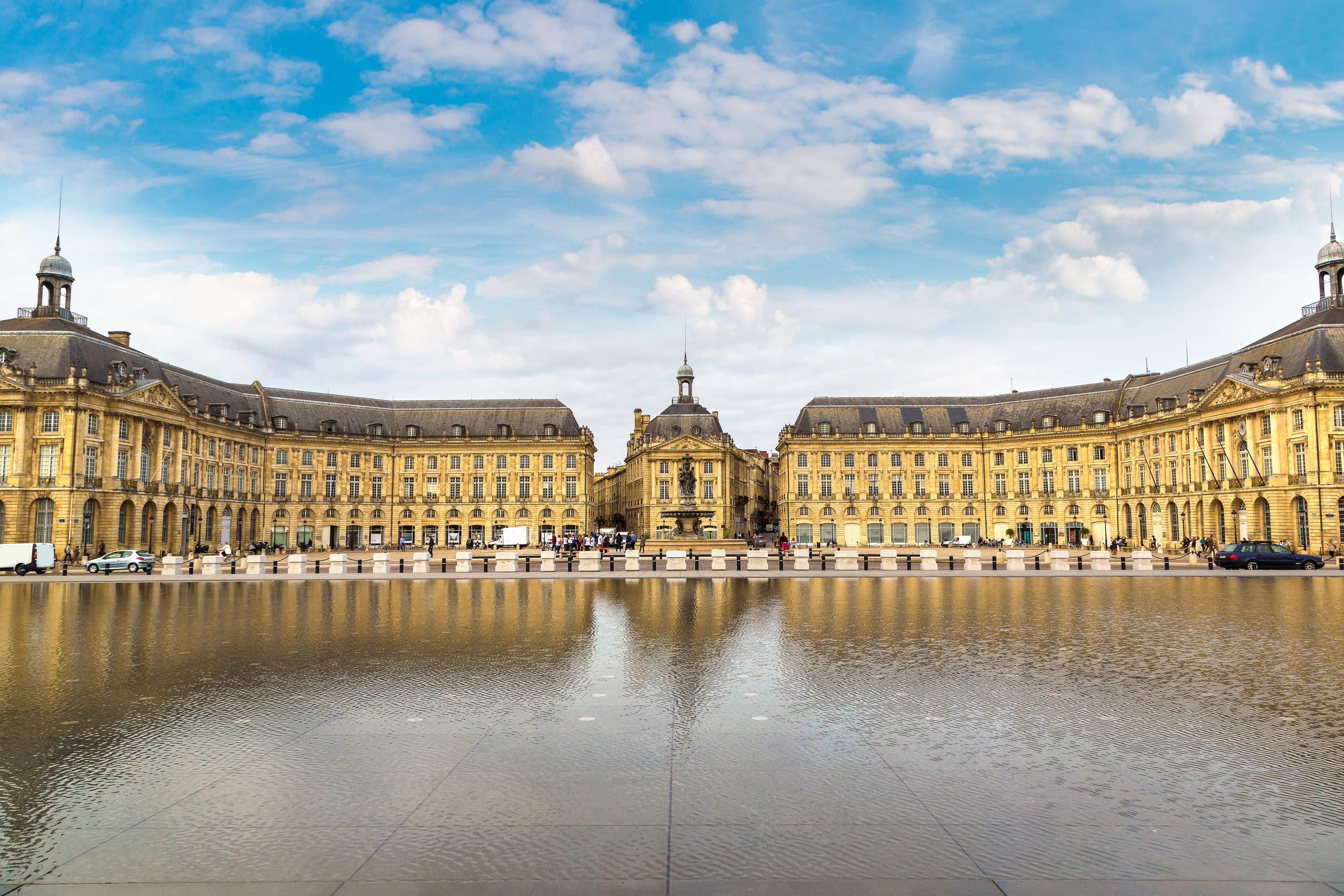 Bordeaux_France_Mirroir d'eau_Place de la Bourse in Bordeaux