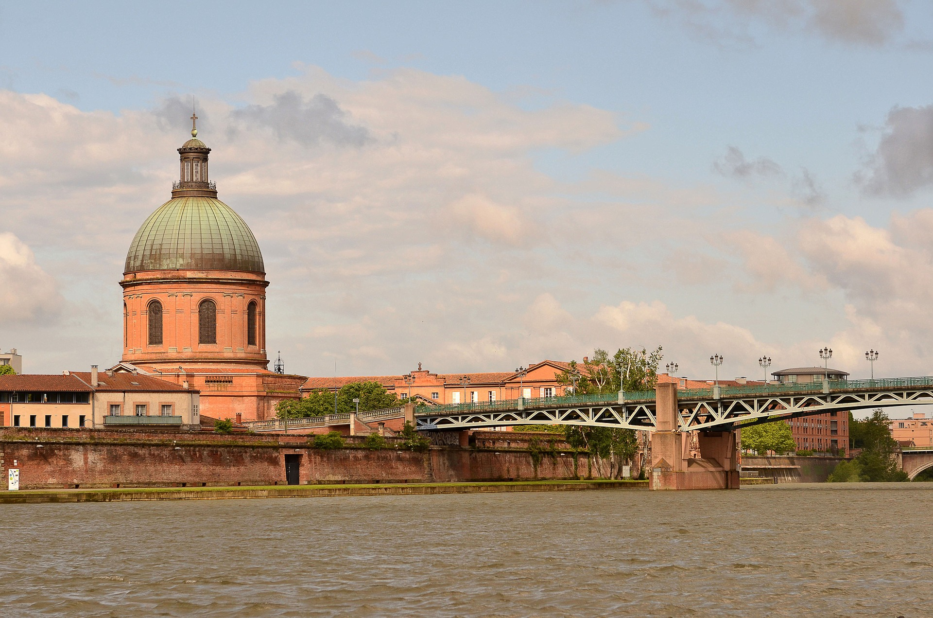 toulouse-1041320_1920