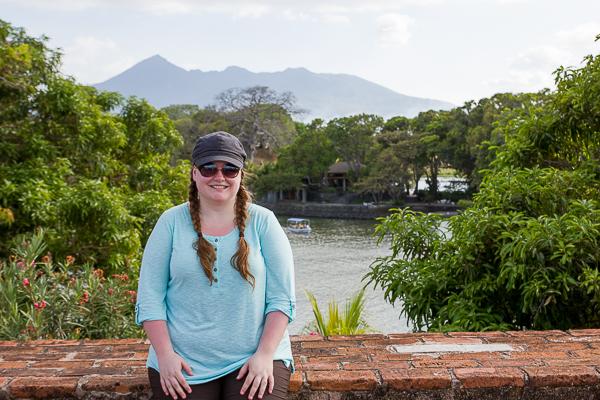 Jennifer-sur-le-fort-de-Las-Isletas-près-de-Granada-au-NIcaragua