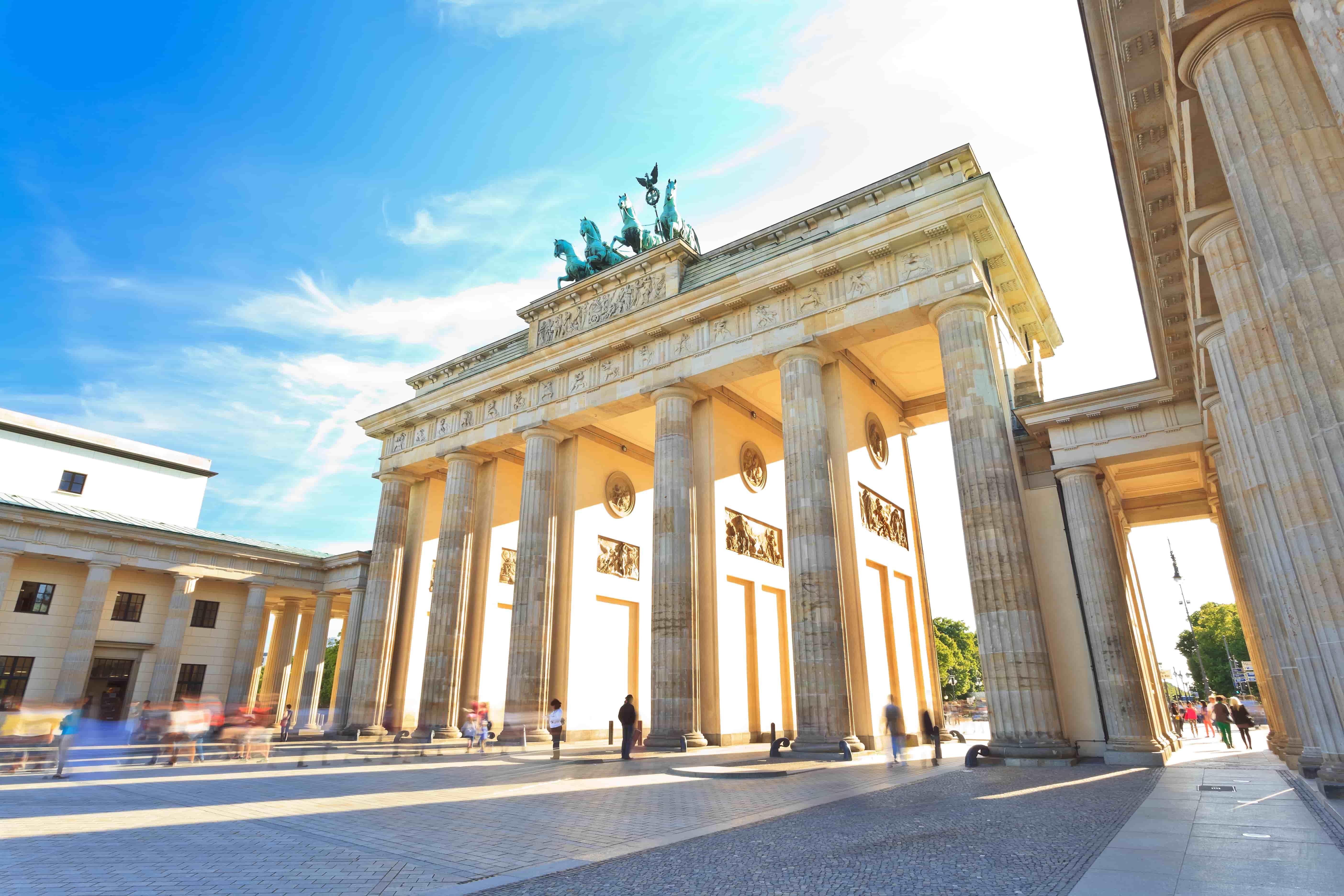 Berlin_Allemagne_Brandenburg gate of Berlin, Germany_54086714-min
