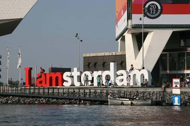 amsterdam-558028_640-min