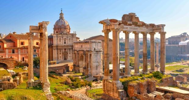 Rome_Italie_Forum_Roman ruins in Rome, Forum_40207802-min