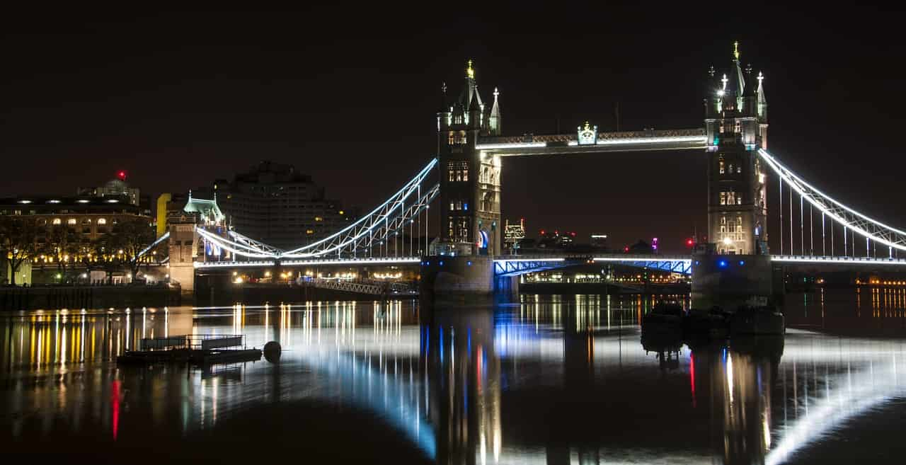 london-bridge-1143467_1280-min