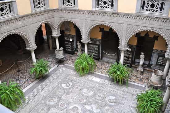 museo-palacio-de-la-condesa-min