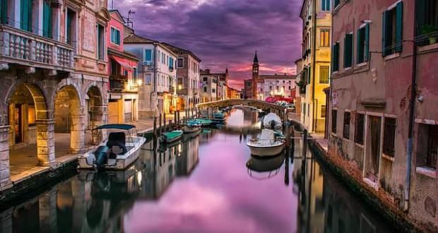 canal-1209808_640-min