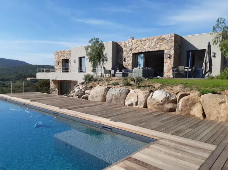Belle villa d'architecte à Pinarello