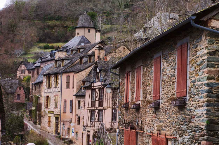 Conques © Nelly VINCENT - Pixabay