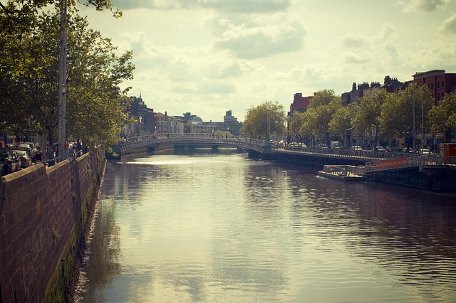 Dublin river-liffey-StockSnap