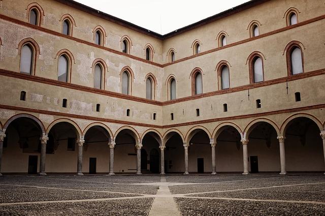 Milano castello sforzesco_IgorSaveliev