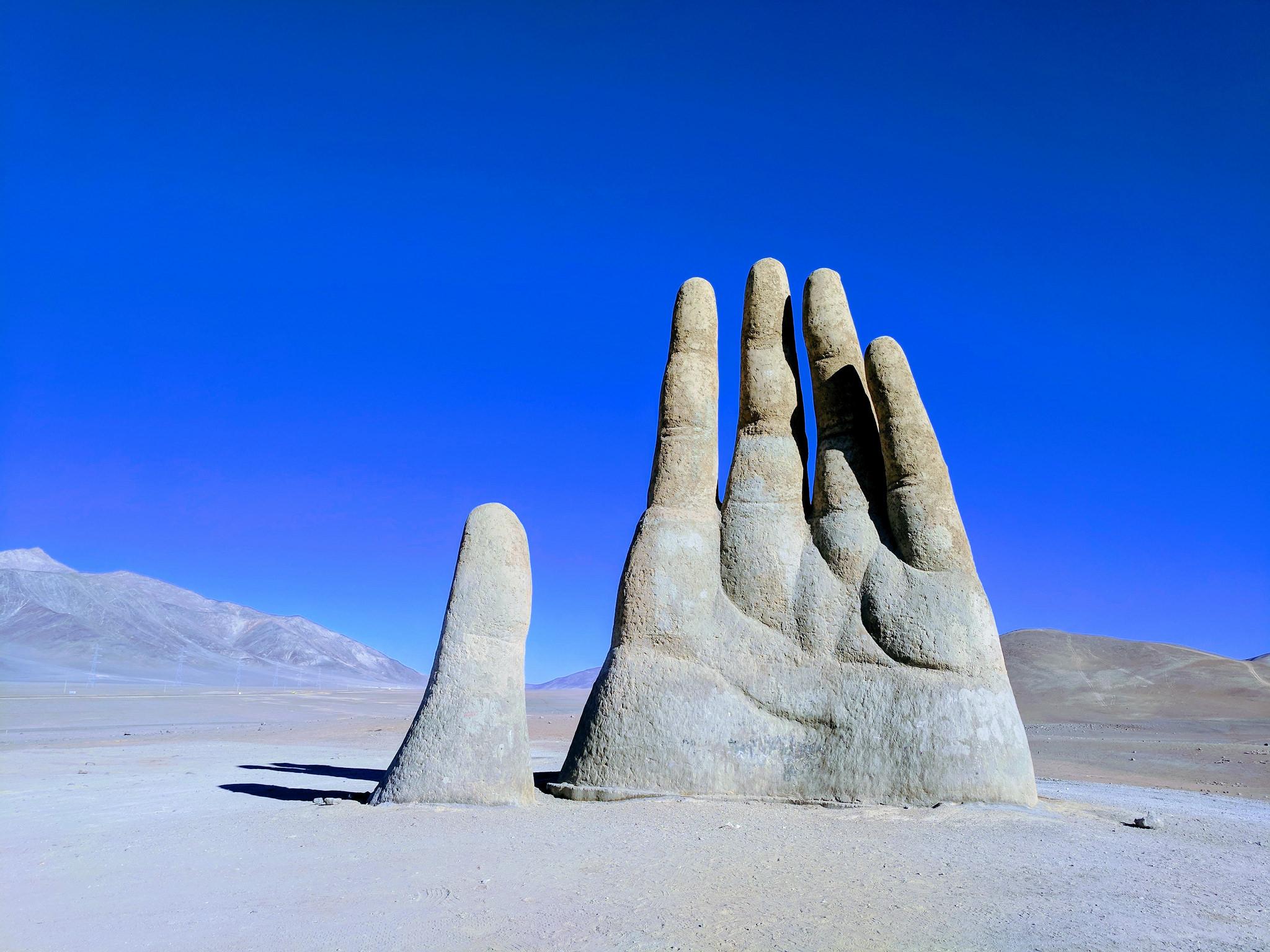 Hand_ofèthe_desert_Greg_Schechter
