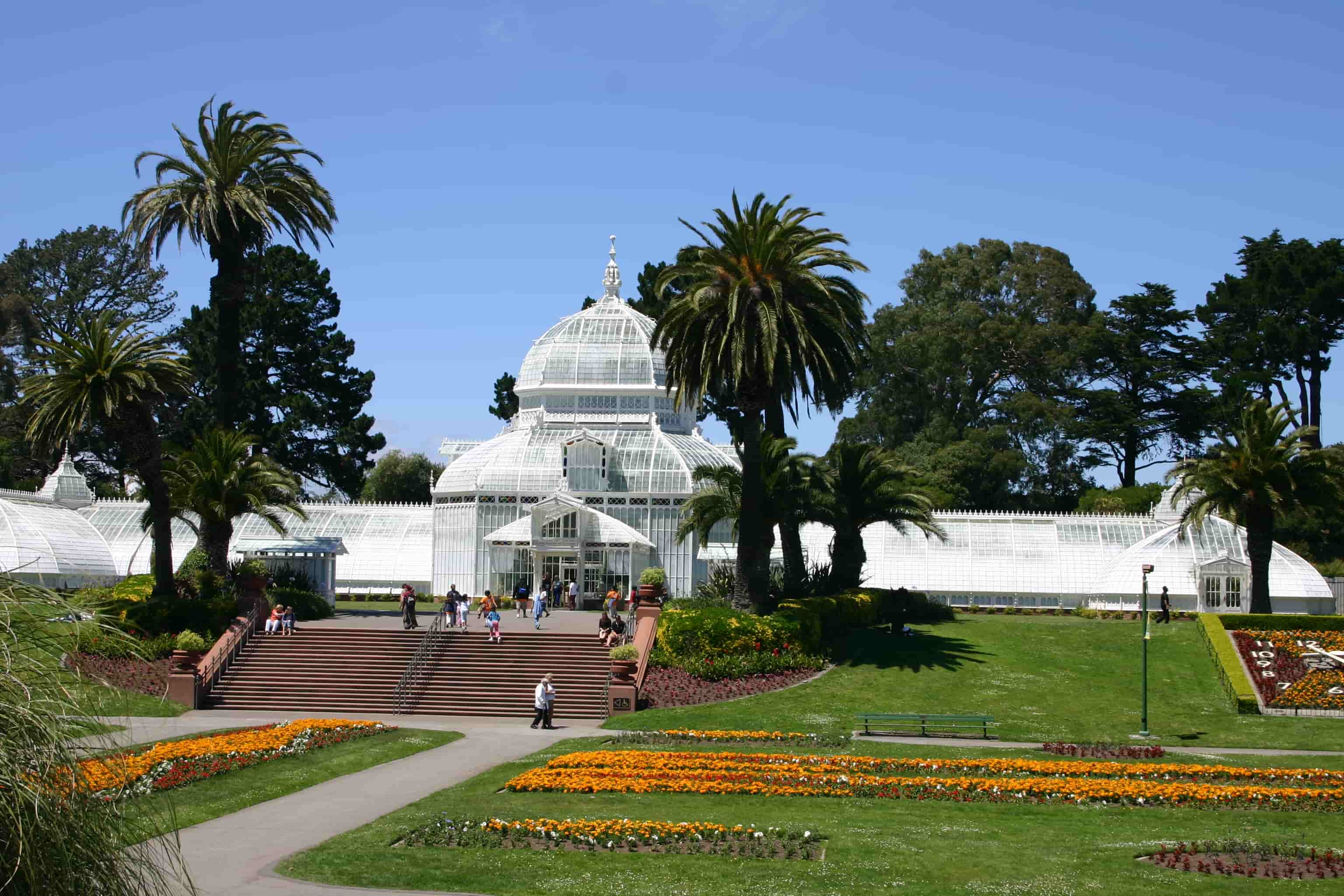 San_Francisco_Golden_Gate_Park_Conservatory_of_Flowers-min