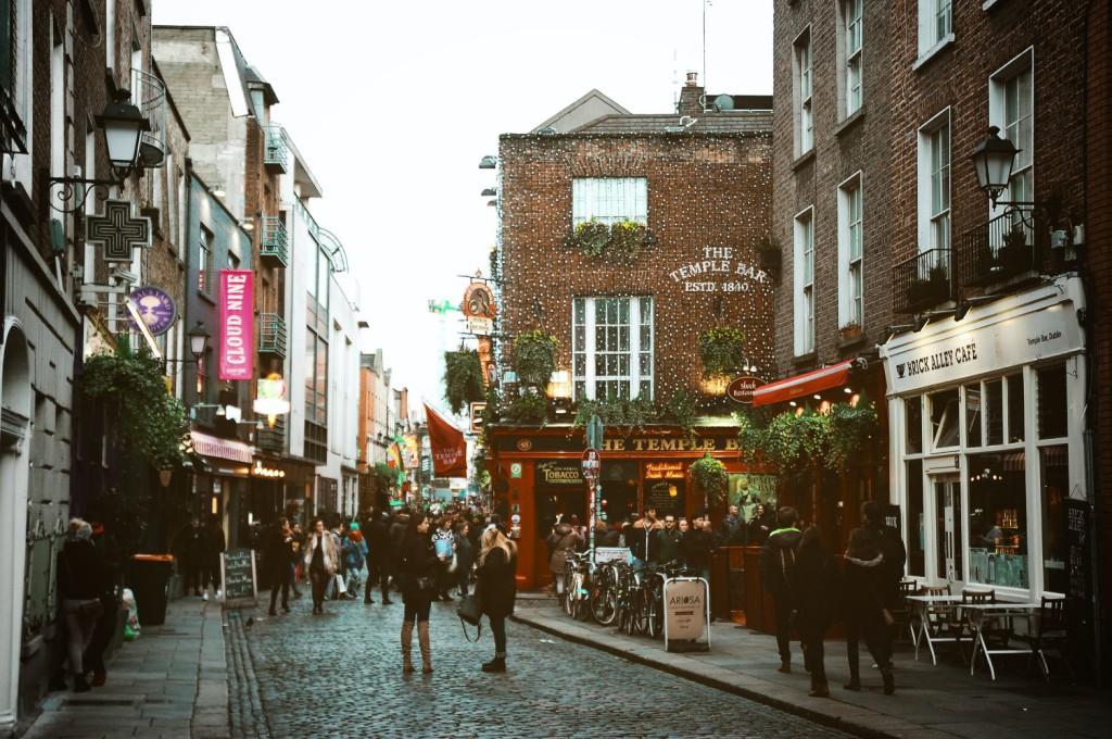 Central Dublin Street © Diogo Palhais