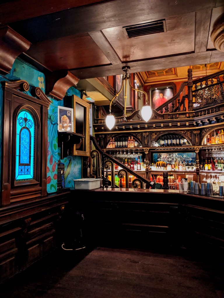 Bar in Galway © Jared Burris