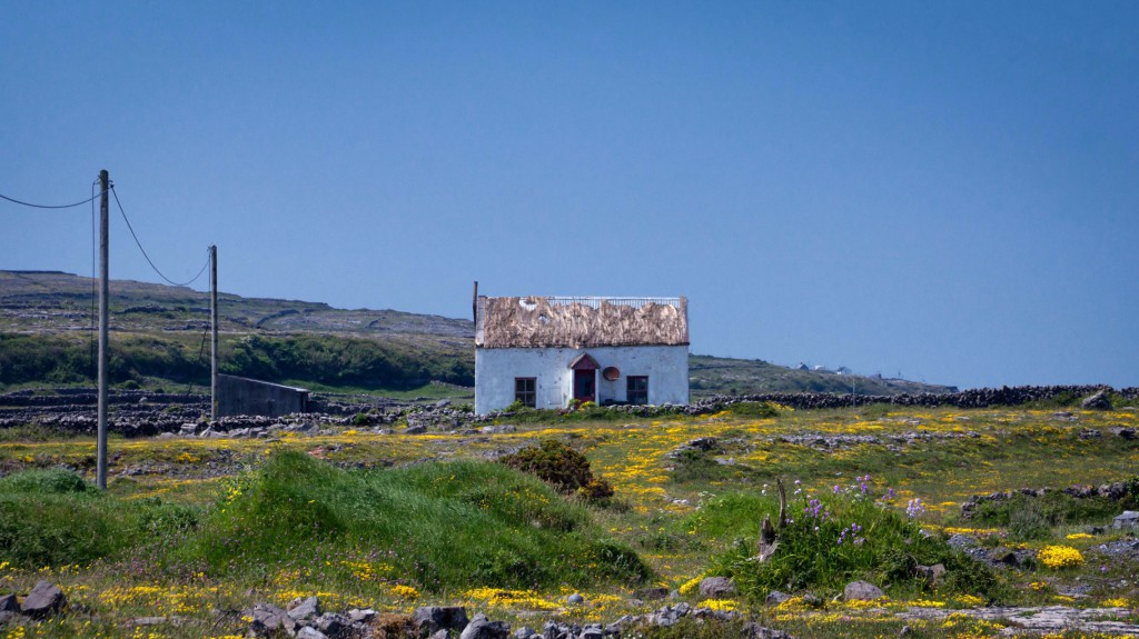 Cottage on the Aran Islands © Peter Aschoff